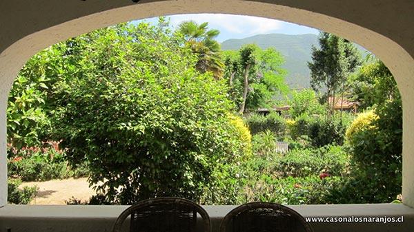 Vistas del jardín desde la Casona Los Naranjos